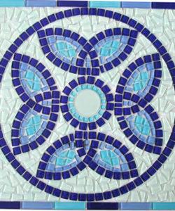 Mosaico cortado a mano y fundido