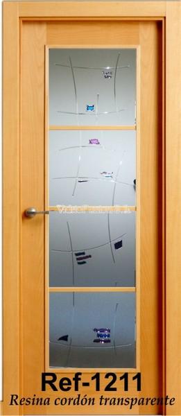 Puertas de paso decoradas con resina transparente