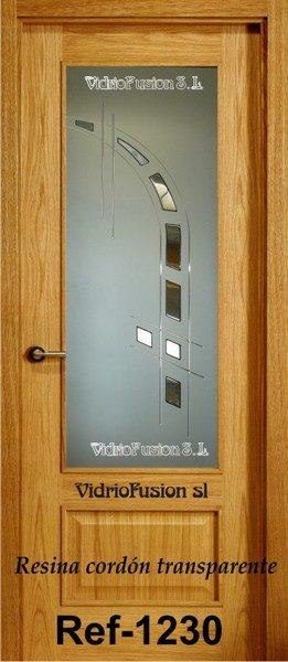 Puerta de paso decorada con resina transparente